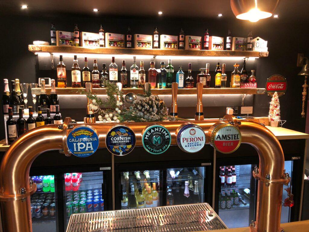 The Lapstone - Bar